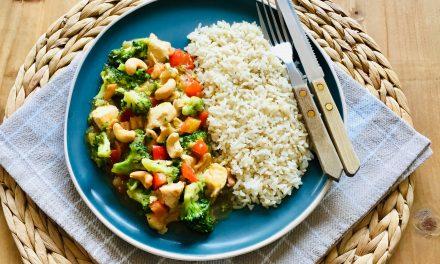 Kip cashew met broccoli en paprika