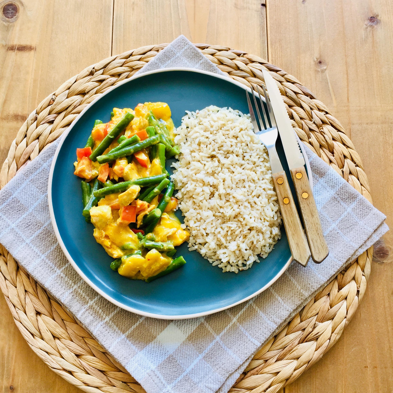 Kip kerrie met mango, sperziebonen en paprika